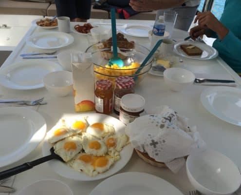 Frühstück on board