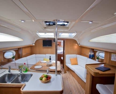 Yachtcharter Kroatien Segelyacht 30